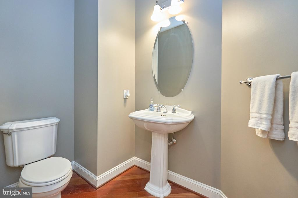 Main Level Powder Room - 19059 ARROYO TER, LEESBURG