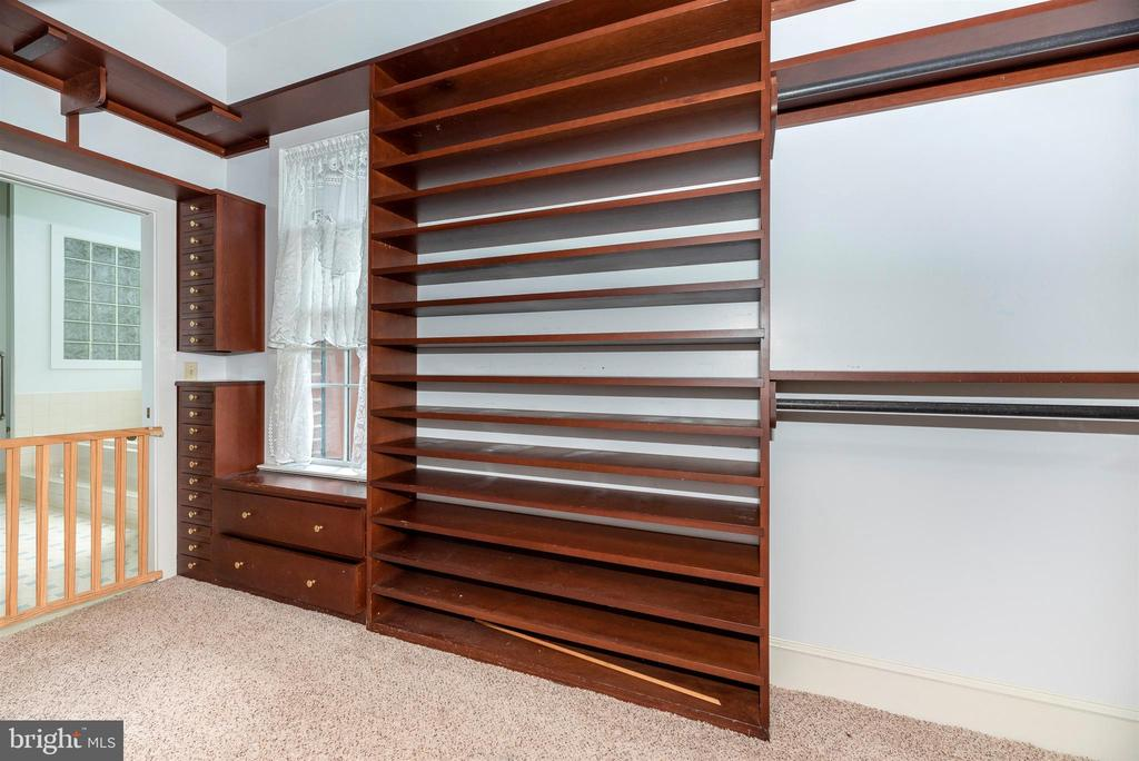 Custom large closet off master bedroom & bath. - 7030 DRUMMINE RD, MOUNT AIRY
