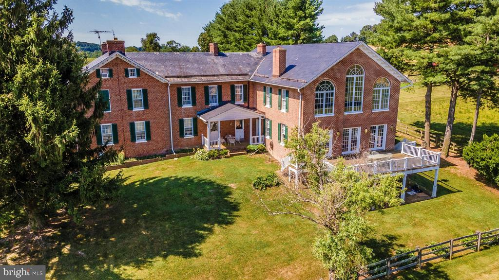 Situated privately nestled in mature trees. - 7030 DRUMMINE RD, MOUNT AIRY