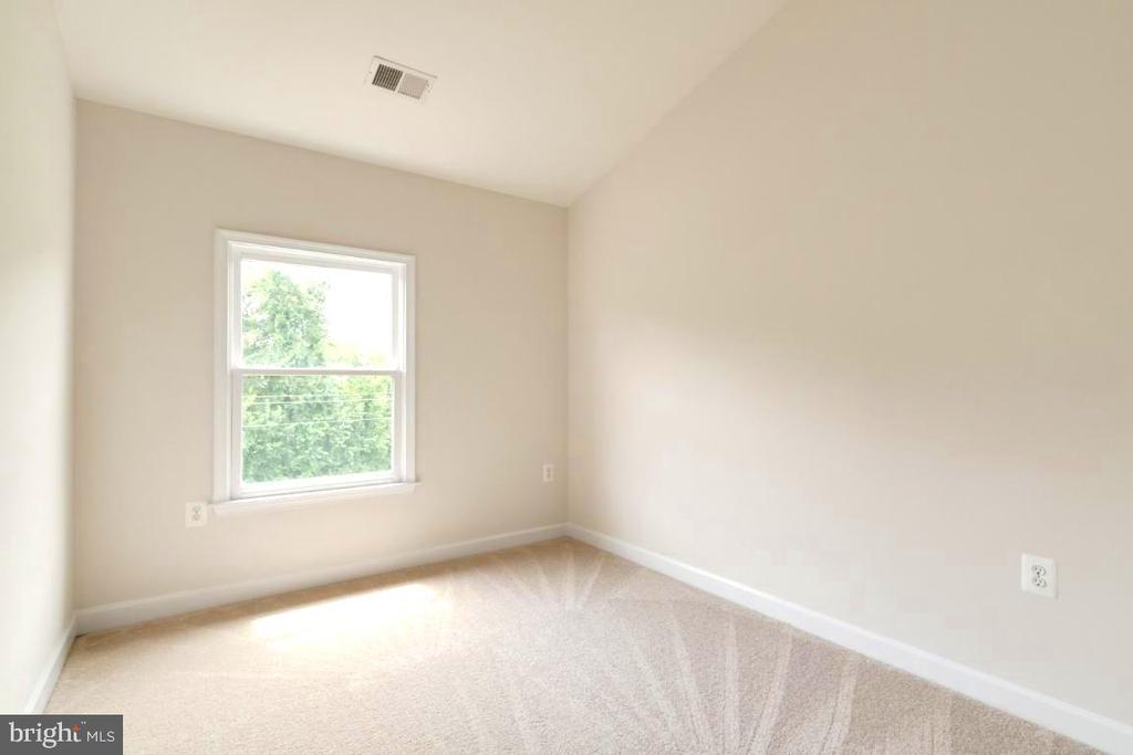 Bedroom 2 - 255 TOWN BRANCH TER SW, LEESBURG