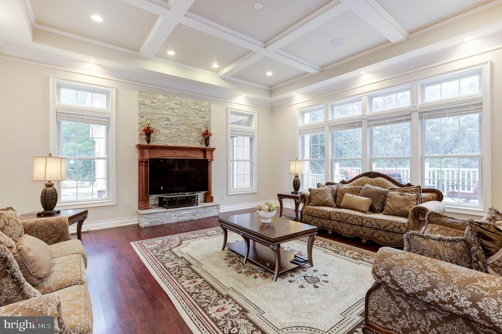Living Room with coffered ceilings - 11400 ALESSI DR, MANASSAS