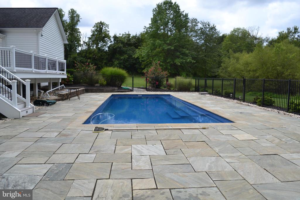 Swimming pool - 22651 BEAVERDAM DR, ASHBURN