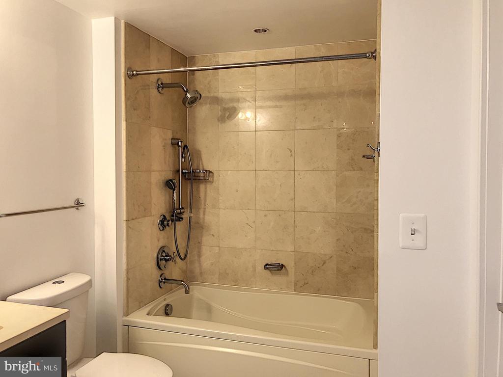 Bathrooms - 1111 19TH ST N #1509, ARLINGTON