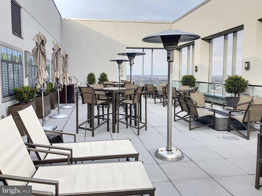Rooftop terrace with panoramic views of DC - 1111 19TH ST N #1509, ARLINGTON