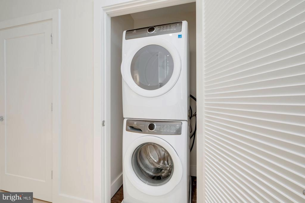 Larger capacity washer/dryer - 1745 N ST NW #310, WASHINGTON