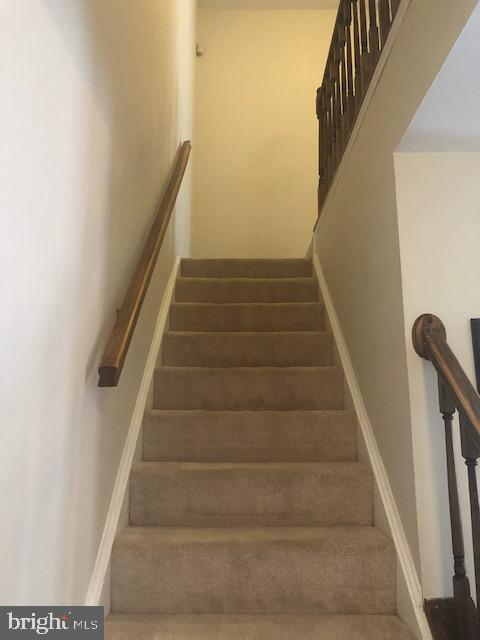 Stairs - 322 MEADOW WAY, LANDOVER