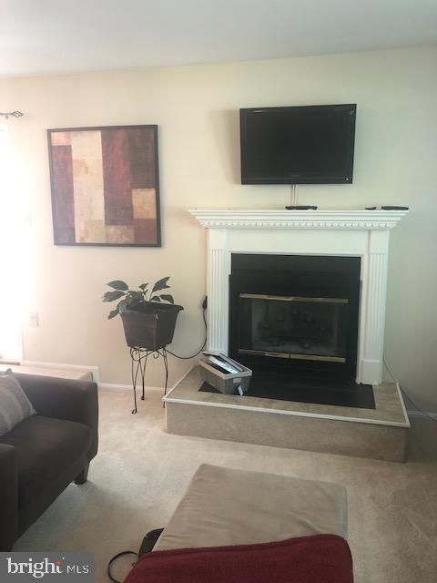 Fireplace w/mantel in Living Room - 322 MEADOW WAY, LANDOVER
