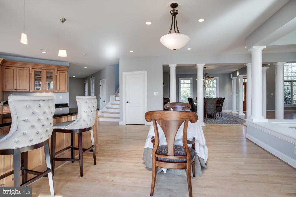 Kitchen Eat-In Area - 658 ROCK COVE LN, SEVERNA PARK