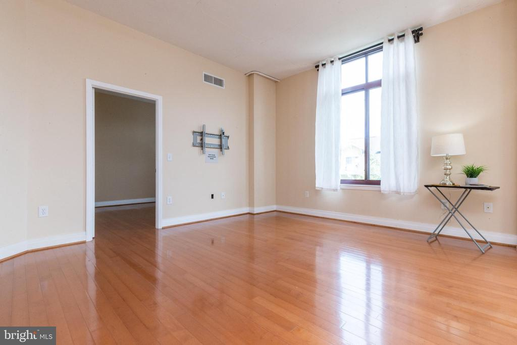 Second bedroom is on the opposite side of condo - 1201 N GARFIELD ST #316, ARLINGTON