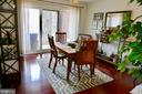 Dining Area with adjacent balcony (*Unit Vacant) - 1815 N UHLE ST #1, ARLINGTON