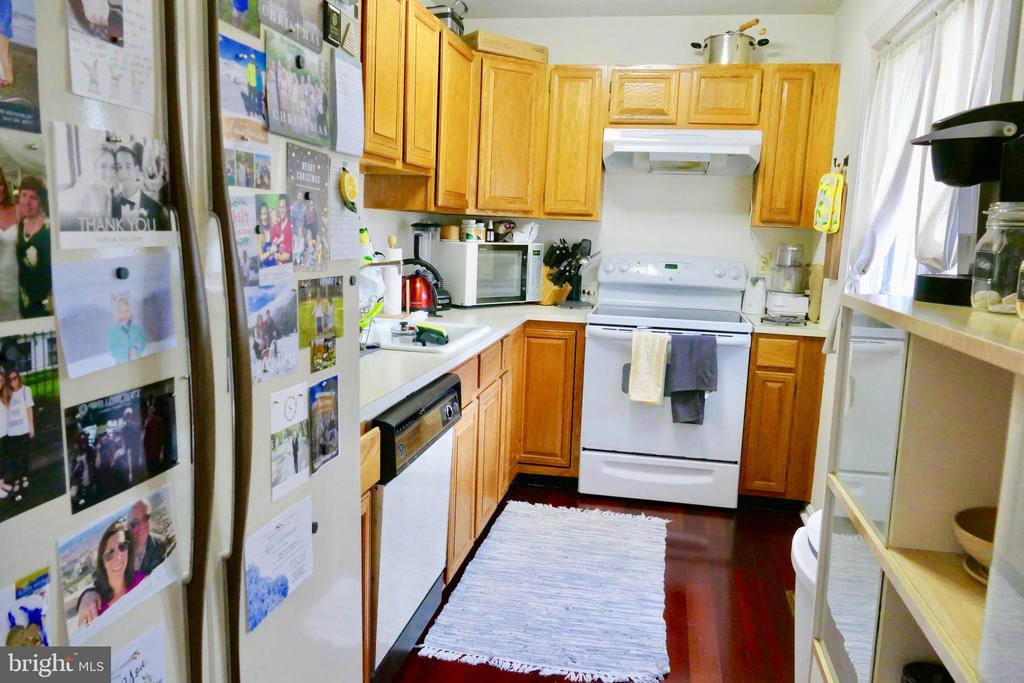 Kitchen - 1815 N UHLE ST #1, ARLINGTON