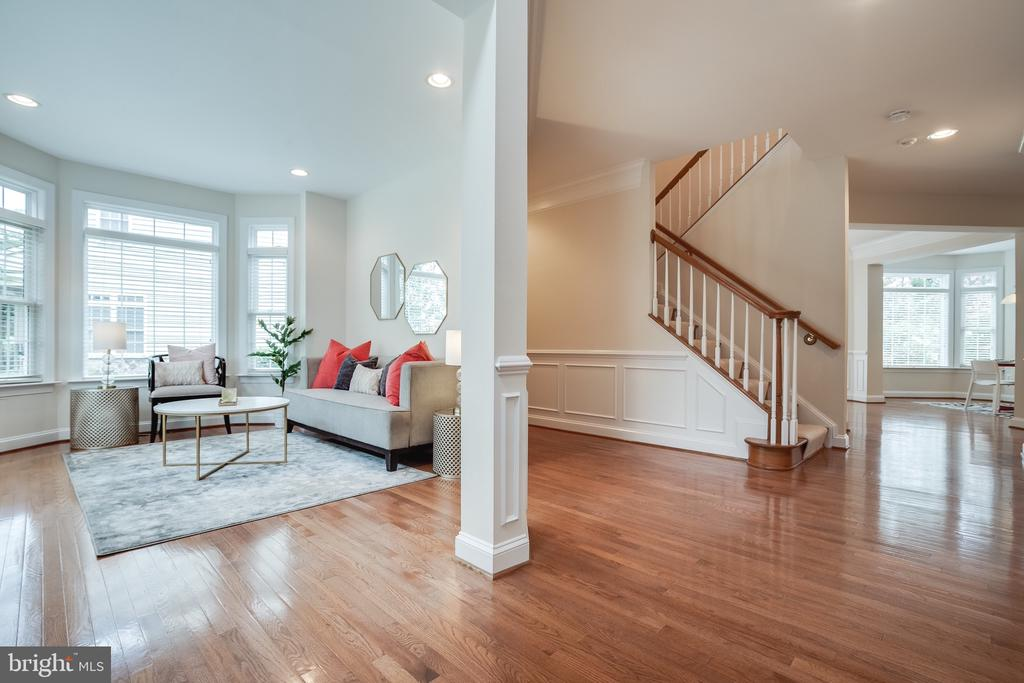 Light filled view as you walk into the Foyer - 18857 ACCOKEEK TER, LEESBURG