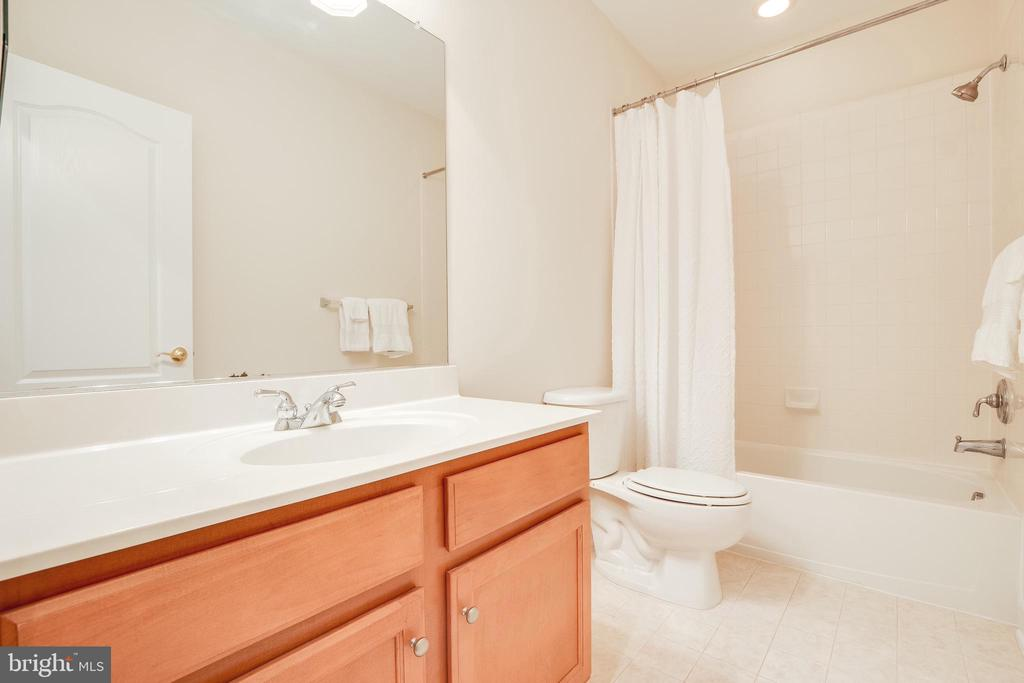 Basement Full Bathroom - 18857 ACCOKEEK TER, LEESBURG