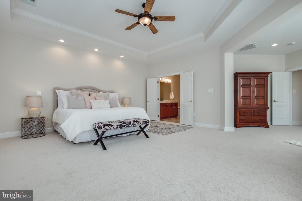 En-Suite Master Bedroom with Sitting Room - 18857 ACCOKEEK TER, LEESBURG