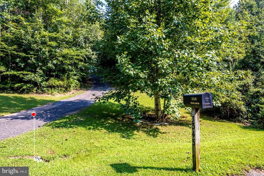 Driveway entrance - 3345 RUSSEL RUN RD, LOCUST GROVE