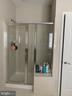 Master shower with built in seat - 42939 PARK BROOKE CT, BROADLANDS
