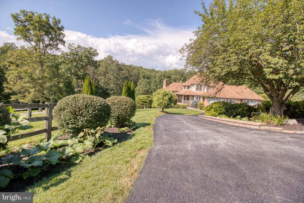 Main Drive - 14016 HARRISVILLE RD, MOUNT AIRY