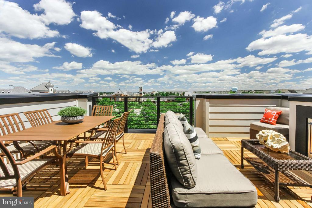 Rooftop Terrace. Model Photography. - 1889 EASTERLY RD #3010, RESTON