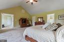 Vaulted ceilings & large walk in closet in master - 12 BLOSSOM TREE CT, STAFFORD