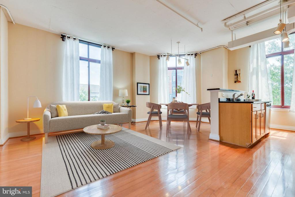 See how nicely your furniture will look... - 1201 N GARFIELD ST #316, ARLINGTON