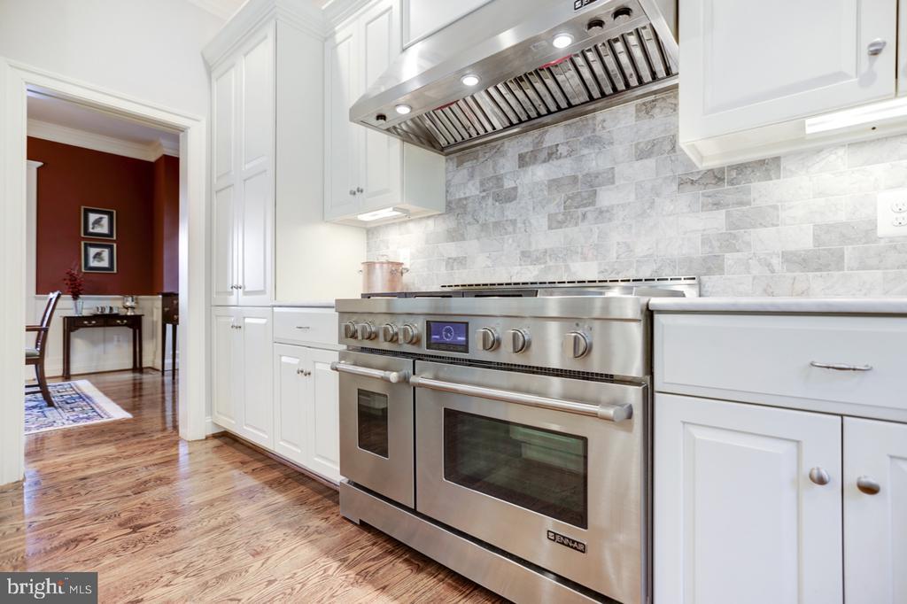 Kitchen Details - Jenn-Air Appliances - 4005 N RICHMOND ST, ARLINGTON