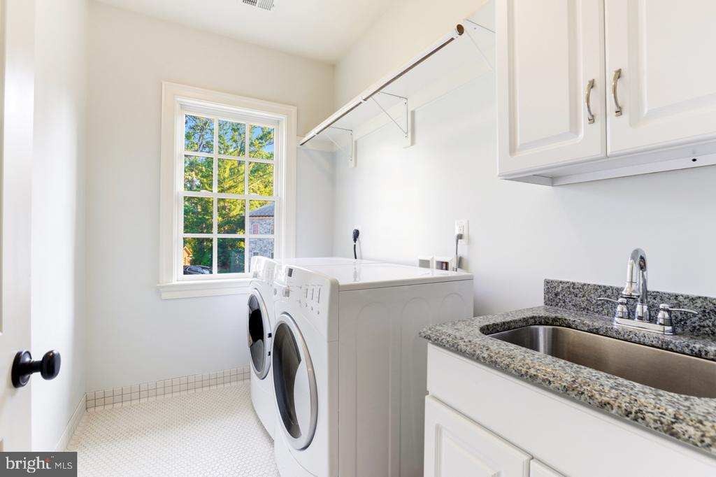 Laundry Room on Upper Level - 4005 N RICHMOND ST, ARLINGTON