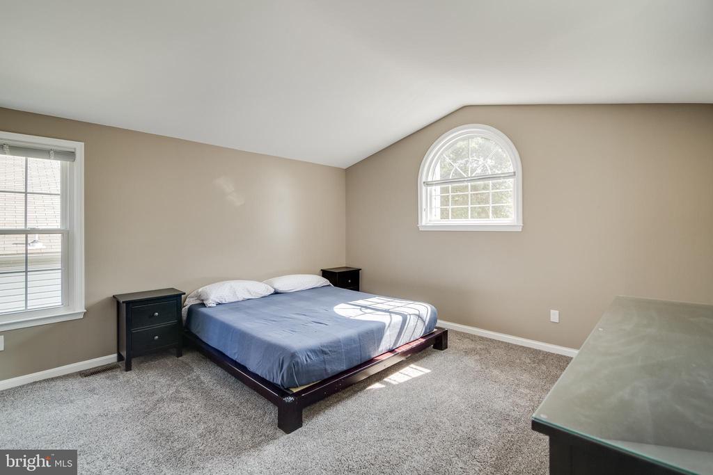 Masterbedroom - 7586 CROSS GATE LN, ALEXANDRIA