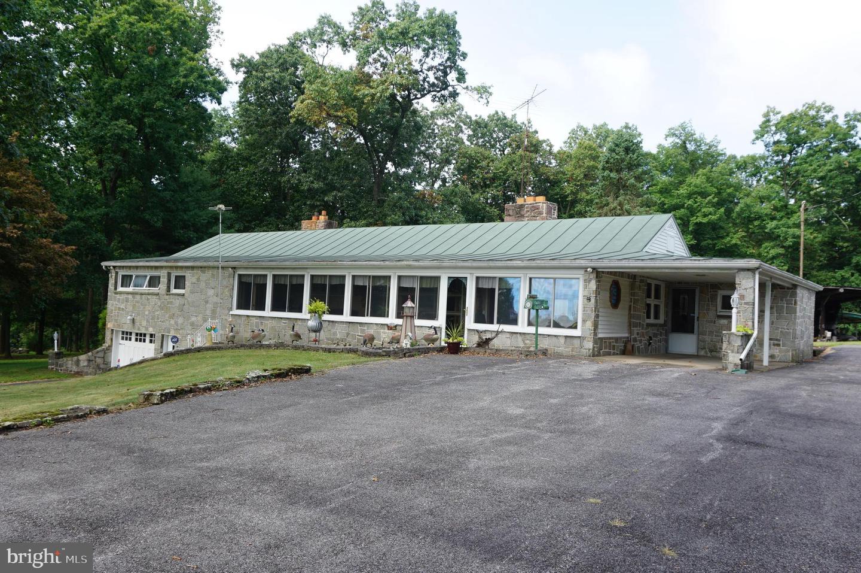 Single Family Homes per Vendita alle ore Dover, Pensilvania 17315 Stati Uniti
