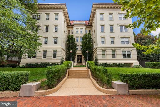 1657 31ST ST NW #203