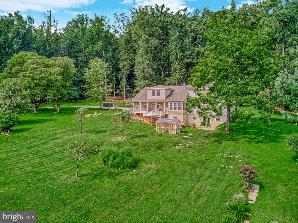 Peaceful, Quiet, Private Property - 12637 MOUNTAIN RD, LOVETTSVILLE
