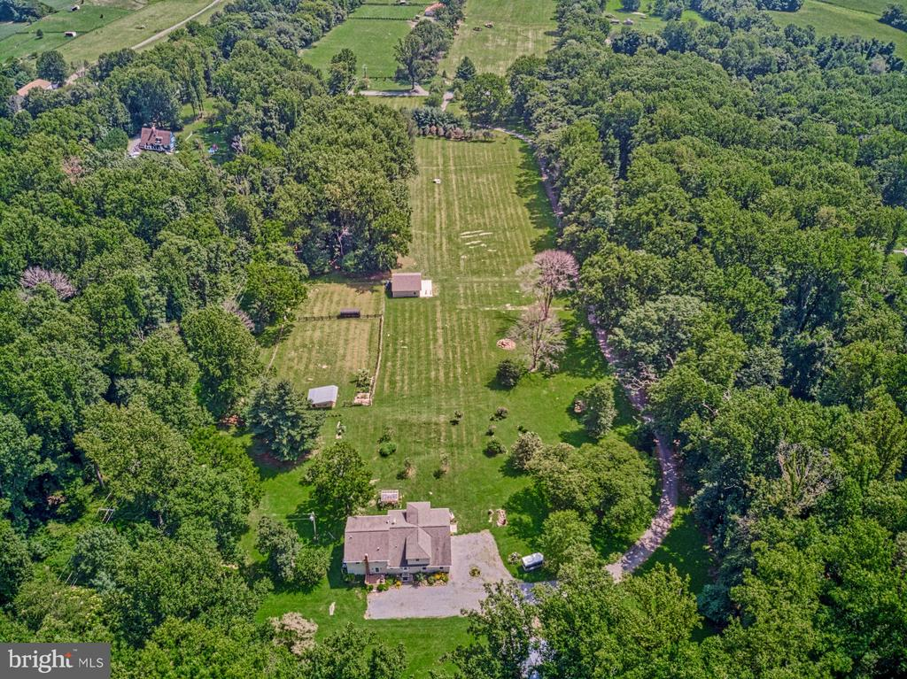 12 Acres with Multiple Outbuildings, Barn , Shop - 12637 MOUNTAIN RD, LOVETTSVILLE