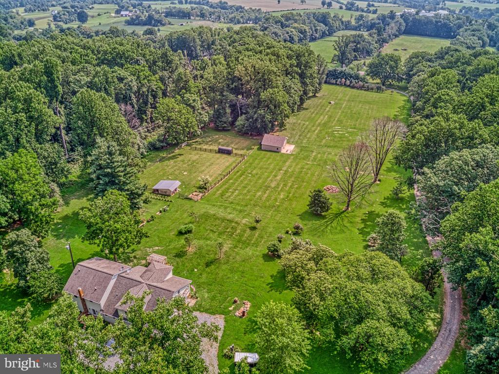 12 Acres with Outbuildings, Barn & Shop - 12637 MOUNTAIN RD, LOVETTSVILLE