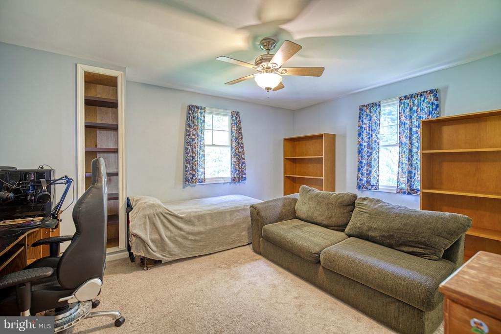 Upper Level - Bedroom 3 - 12637 MOUNTAIN RD, LOVETTSVILLE