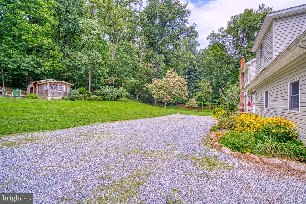 Rear Yard Area - 12637 MOUNTAIN RD, LOVETTSVILLE