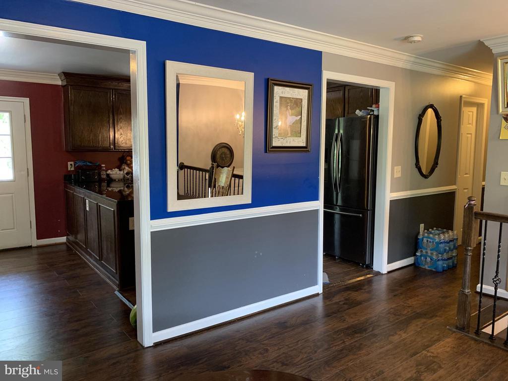 New wood-look floors - 9218 LANDGREEN ST, MANASSAS
