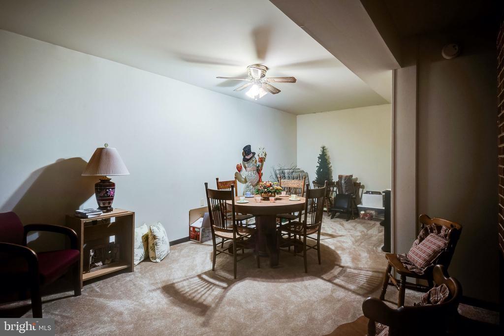 Den in basement - 6906 TOKEN VALLEY RD, MANASSAS