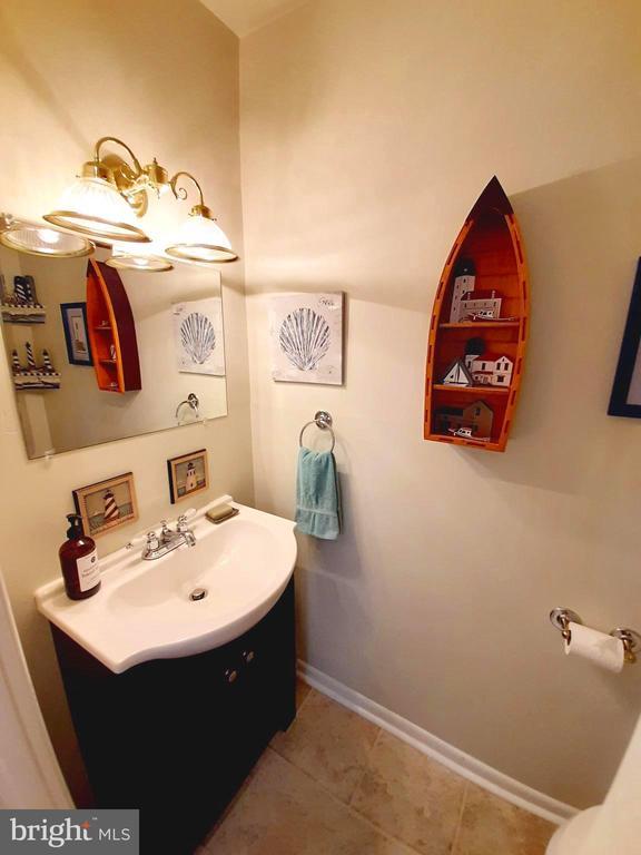 Half Bath with Modern Sink - 441 GREENBRIER CT #441, FREDERICKSBURG