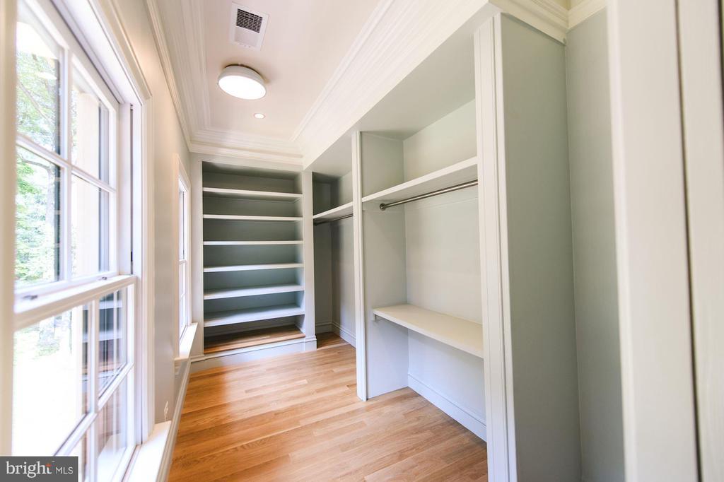 Bedroom #2 Walk-In Closet - 7024 ARBOR LN, MCLEAN