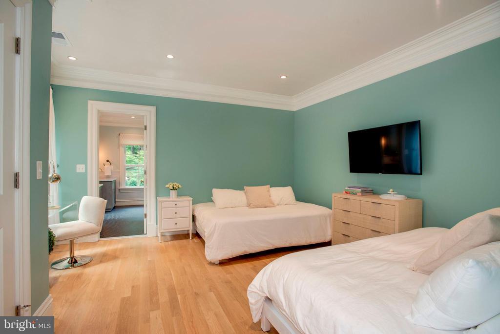 Bedroom #3 - 7024 ARBOR LN, MCLEAN