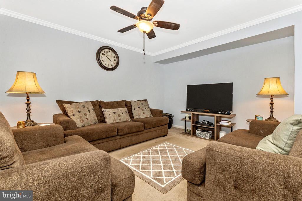 Living Room - 7 WINDWARD CT, THURMONT