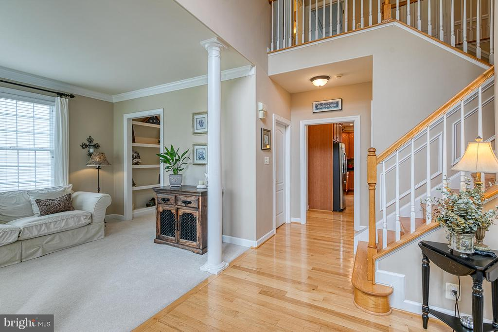 Open and Inviting Entryway - 3 ETERNITY CT, STAFFORD