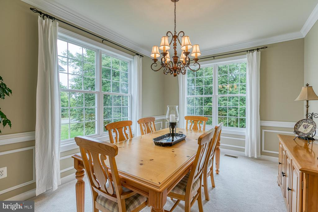 Dining Room Built to Entertain - 3 ETERNITY CT, STAFFORD