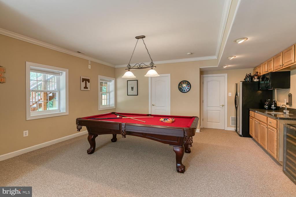 Room for Pool Table - 3 ETERNITY CT, STAFFORD