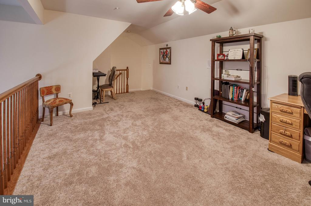 Cozy Retreat, Office, Workout Space... - 2406 RIPPLING BROOK RD, FREDERICK