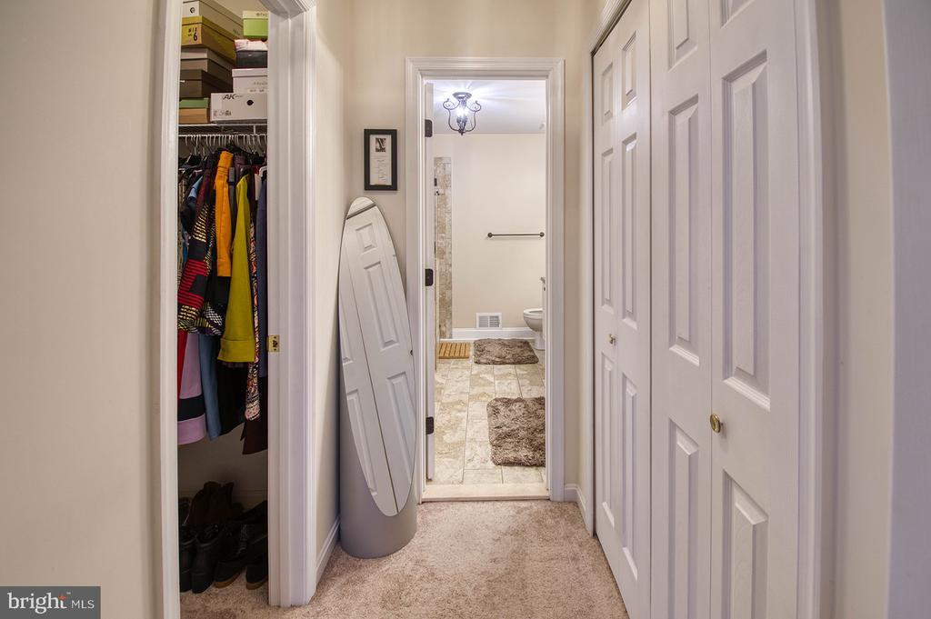 Master Bathroom & Plenty of Closet Space - 2406 RIPPLING BROOK RD, FREDERICK
