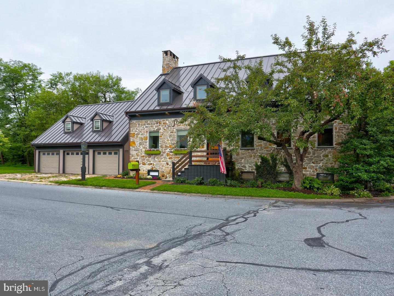 Single Family Homes vì Bán tại Landisville, Pennsylvania 17538 Hoa Kỳ