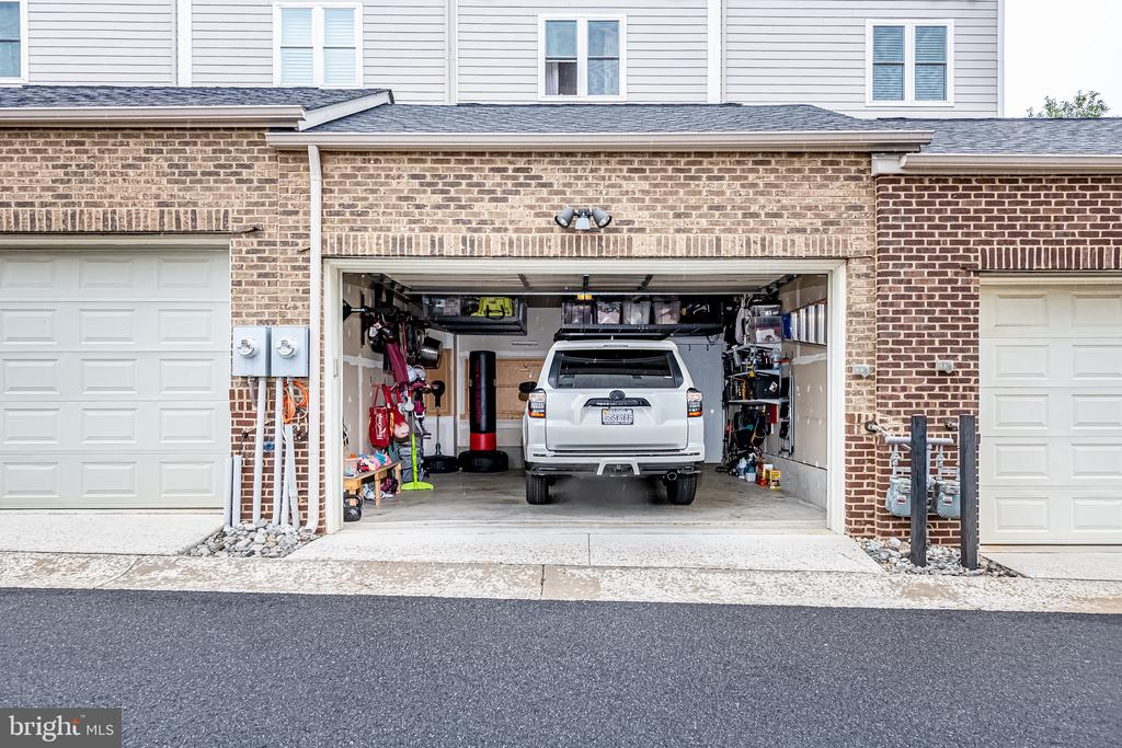 2 car garage with alley access - 3504 11TH ST S, ARLINGTON