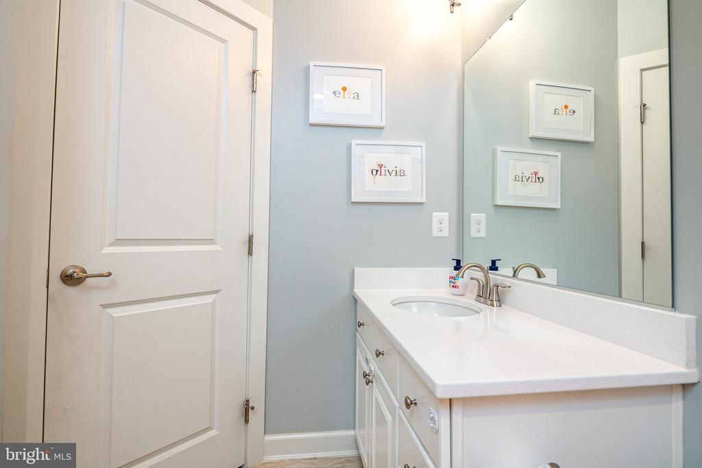 2nd full bathroom on 3rd level - 3504 11TH ST S, ARLINGTON