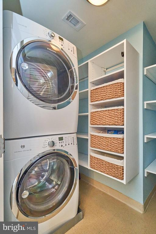 Second Floor Laundry - 12025 NEW DOMINION PKWY #G-118, RESTON