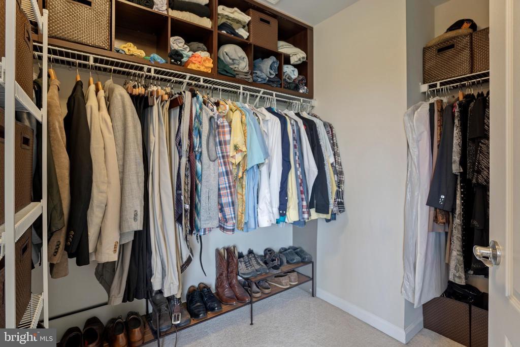 Walk-in Master Closet - 43264 HEAVENLY CIR, LEESBURG